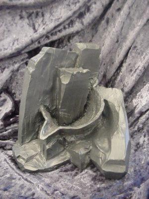 قالبی  تهیه شده از طرز قر ار گیری این ظرف در زغال سنگ